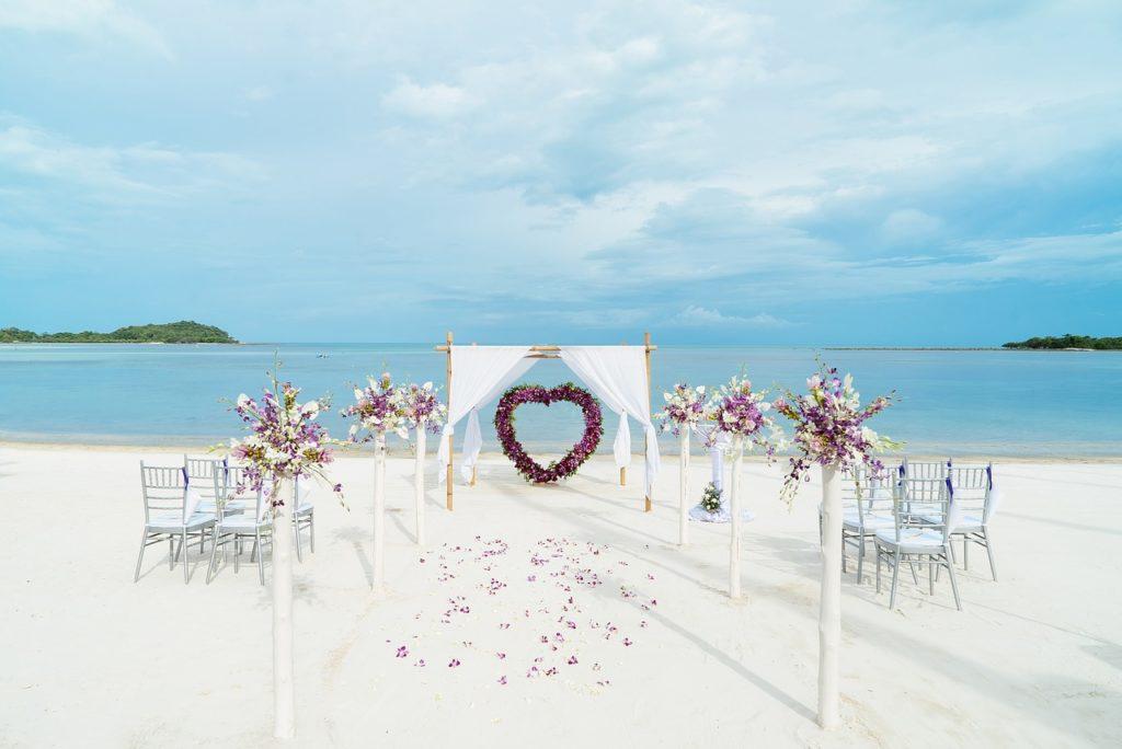 bthai beeach wedding setup